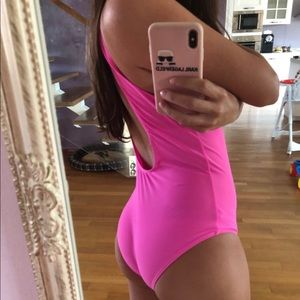 Barbie Swim - Barbie pink swimsuit